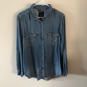 AEO | Boyfriend Fit Chambray Button Down Shirt
